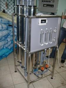Odwrócona osmoza serii RO wydajność 600 l/h na ramie z nierdzewki