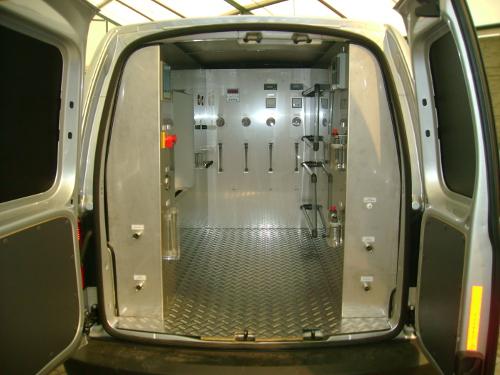 Samochód specjalny - Laboratorium techniczne z wyposażeniem
